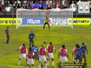 Verwissel van gewone speler, naar keeper binnen een paar seconden!