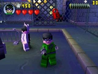 Er zijn meer dan vijftig speelbare personages, waaronder Two-Face en The Riddler.