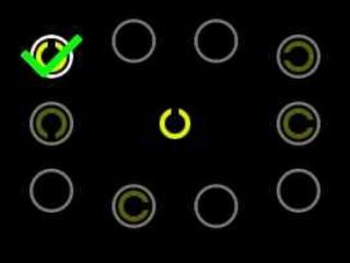 Probeer zo snel mogelijk het open cirkeltje aan te raken.